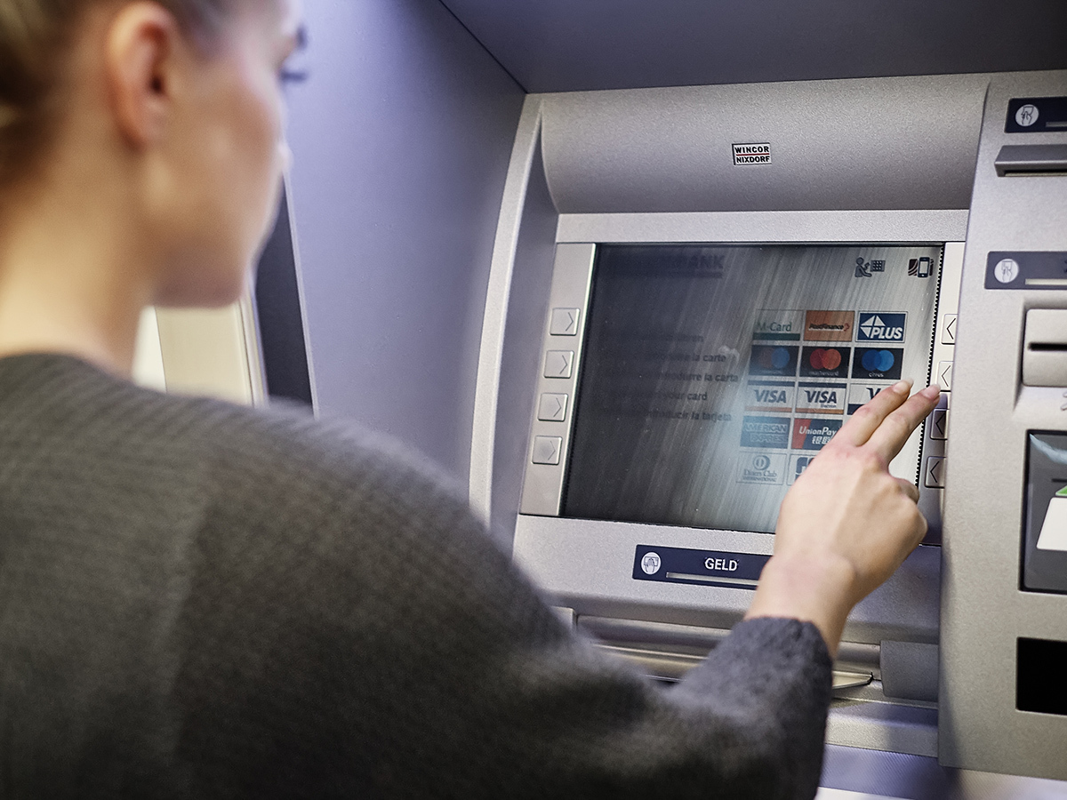 14_services_bancomat_postomat_teaser